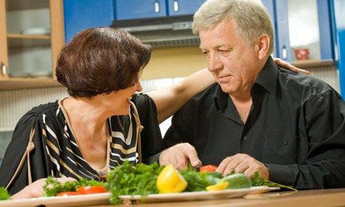 化療期間的飲食照護 : 進食時宜細嚼慢嚥