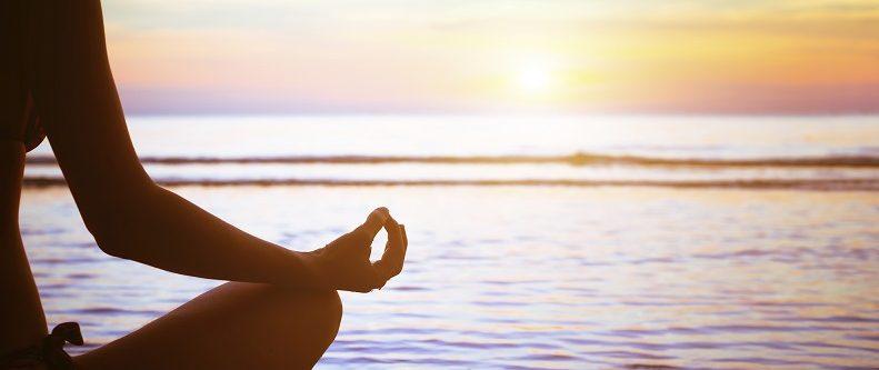 「調心」指的是放鬆入静,排除一切雜念,尋求內心的安靜